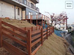 ウッドフェンス、盛土、ガーデン、芝生、施工例