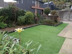 人工芝、雑草防止シート、ジャワ鉄平石、施工例