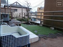 アンティークレンガ、人工芝、固まる土舗装、タイル水栓、ウッドデッキ、施工例
