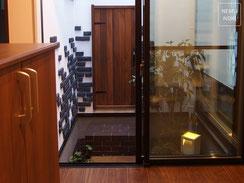 施工例、坪庭、ガーデン、木製扉