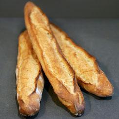 3 baguettes traditions fabriquées par Ma Boulangerie Café
