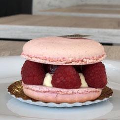 Macaron framboise réalisé par Ma Boulangerie Café