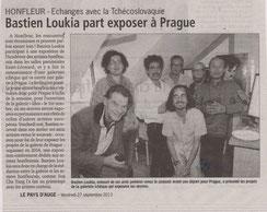 Article du journal Le Pays d'Auge sur l'exposition à Prague de Bastien Loukia et d'artistes honfleurais en 2013