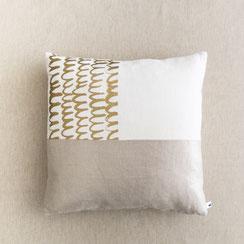 Kissen-gold-bedruckt-Anika Liedtke-ani-textildesign-berlin