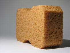 la peau atopique est poreuse comme une éponge