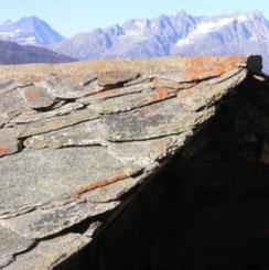 techo típico en el Valais con baldosas