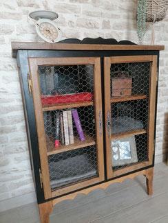relooking de meuble le mans sarthe vitrine vaisselier grillage à poule noir et bois perche