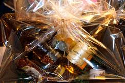 geschenkideen geschenk geschnekkörbe, trüffel kaufen in trebur, Geschenke in trebur kaufen, trebur geschenk Ideen, Weihnachtskorb Weihnachtsgeschenke geschenkkörbe versenden geschenkkörbe, Trüffel in trebur kaufen, Trüffelnudeln, we love Champagne