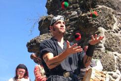 Jongleur für Mittelaltermärkte oder öffentliche Auftritte
