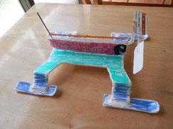 かんばさんの工作集の中から、「アメンボート」を作ってみました。意外と簡単で、しかもよく走りそうです。小さなお風呂ではかわいそうなので、3mくらいの特設競艇場を作ろうと思います。