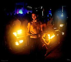 Mick Mysta bei einer Performance 2015 am Haad Rin Beach, Koh Phangnan (Thailand)