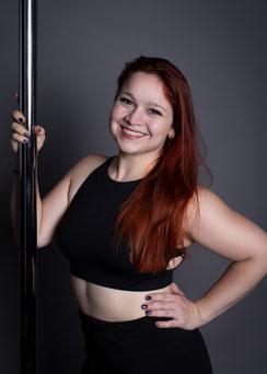 Anna, Trainerin für Pole