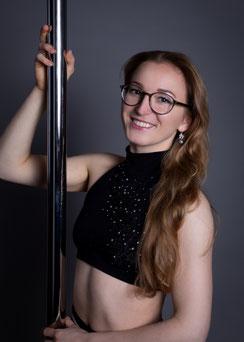 Lisa, Trainerin für Pole
