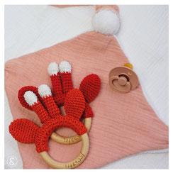 baby bijtring rammelaar handgemaakt babyspeelgoed kraamkado kraamcadeau