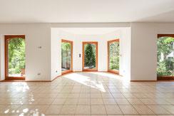 Großes Haus - helle, offene Räume