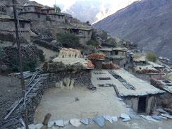 Dörfer heissen Sahartara, Tuppartara, Tarakot - den Sternen nahe...