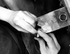 oberflaechenbearbeitung bei Tantal ringen