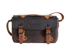 Margelisch leather messenger bag Pena