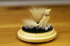 「天使の飾り窓」シルエットモチーフのお尻にお子さまの毛を付けるタイプ
