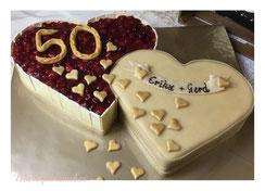 Hochzeitstorte, Herztorte, Wedding Cake, Marzipanblüten, Marzipandecke, Marzipanzauber