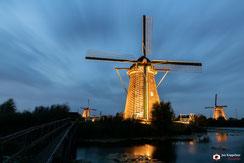 Lighting mills