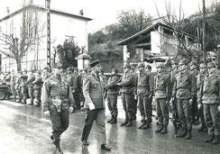 Revue des troupes, sous commandement du COL SOUBRANE, par le COL DEMANGE, DMD des Alpes-Maritimes