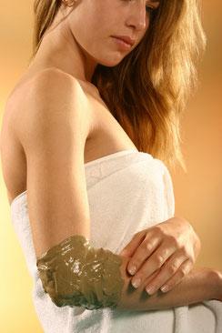 Fangopackung bei Gelenkschmerzen und Rückenschmerzen