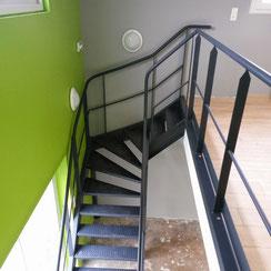 garde corps, escalier créé par ACMB construction metallique Brioux