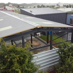 couverture du bâtiment en charpente métallique par ACMB 79, 86, 16 et 17