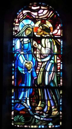 Jésus portant sa croix au Mont Gologtha.