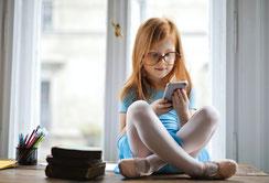 Selbsthilfe-Workshops für Kinder bei Handy- und Online-Abhängigkeit