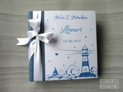 Fotoalbum maritim blau weiss Hardcovereinband individuell bedruckt Mein 1. Fotoalbum selbst gestalten Farben Symbole Name