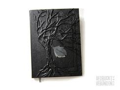 A3 Hardcover Bucheinband schwarz Seitenumfang 150 Innenseiten weiß Hochrelief Baum des Lebens Lederapplikation Blätter Lesebänder
