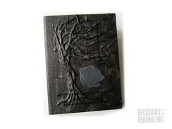 Trauerbuch Baum des Lebens Hardcover Bucheinband schwarz mit Einschub für A4-Buch Seitenumfang 110 Farbe Innenseiten naturweiß Hochrelief Baum Lederapplikation Blätter