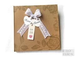 Gästebuch mit Gästefragen zur Hochzeit Vintage-Stil 30cm x 30cm 128 Seiten elfenbeinfarben Hardcover Bucheinband Kraftpapier natur Häkelspitze weiß