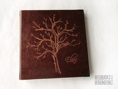 Lederalbum cognac 30cm x 30cm 120 Seiten naturweiß Hardcover Ledereinband Handgravur Baum Name