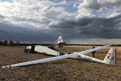 Die Felder in den neuen Bundesländern gleichen von der Größe Verkehrsflughäfen und sind einfach zu landen.