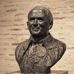 Sculpture-buste-statue-bronze-sulpteur-Langloys-JPII