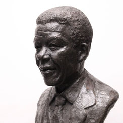 Sculpture-buste-statue-bronze-sulpteur-Langloys-Mandela