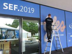 Beschriftung Fenster Swiss economic Forum Interlaken