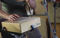 Snare Trommel mit Händen spielen