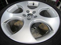 フォルクスワーゲン ポロ GTI の純正アルミホイールのガリ傷・擦りキズのリペア(修理・修復・再生)後のホイール写真