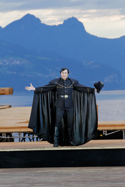 """Bruno als Gessler, Lied """"Respekt"""", Schweiz"""