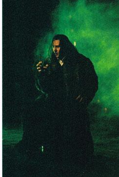 """Bruno als Mr. Hyde in """"Alive"""" im Theater an der Wien"""