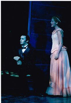 """Bruno als Dr. Jekyll, Lied """"Nimm Mich Wie Ich Bin"""" mit Lilian Marti als Lisa, Theater an der Wien"""