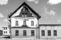Jürgen Naß – Der Schein trügt:  Themars Möbelindustrie lebt!