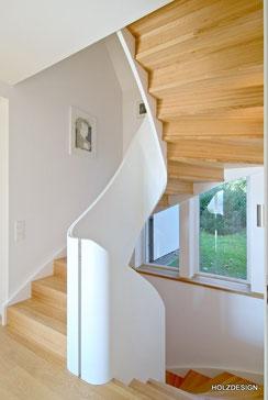 Treppe mit Geländer Krümmling
