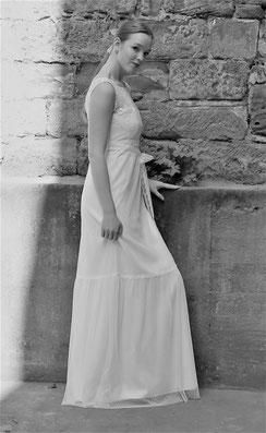 Brautmode schlicht und natürlich.