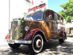 Oldtimer Bus für Ihre Hochzeit an der Ahr