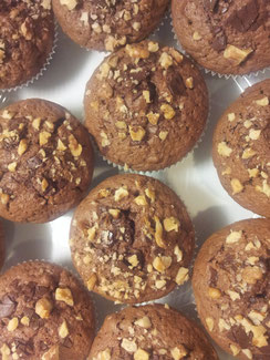 Dunkle Schoko Nuss Muffins
